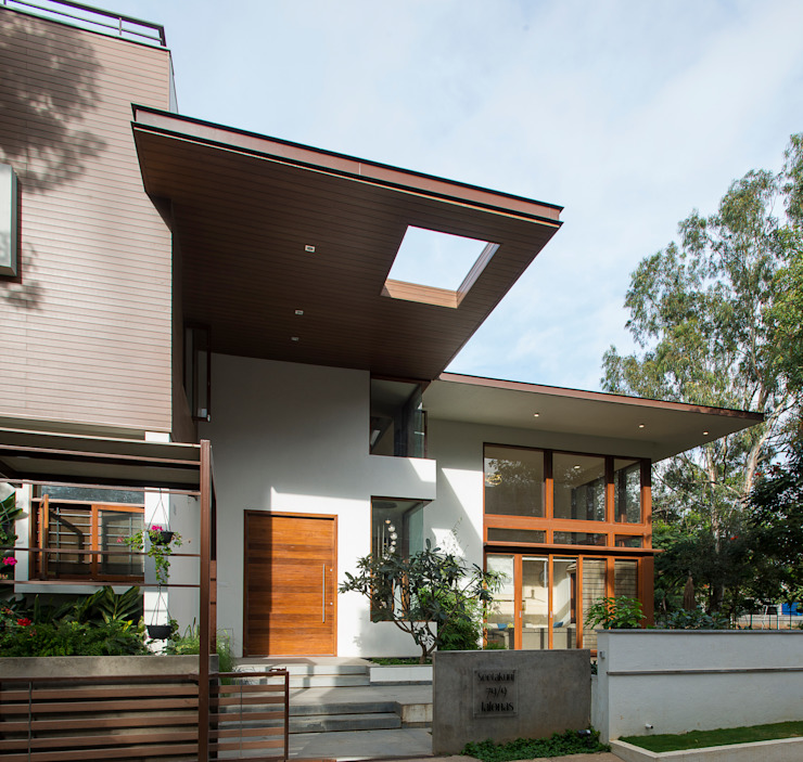 Entry Modern houses by studio XS Modern