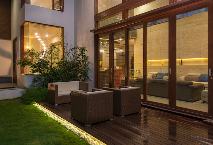 Formal Living - Deck Modern balcony, veranda & terrace by studio XS Modern