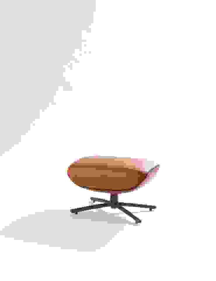 First Class pouffe Moderne woonkamers van Label | van den Berg Modern