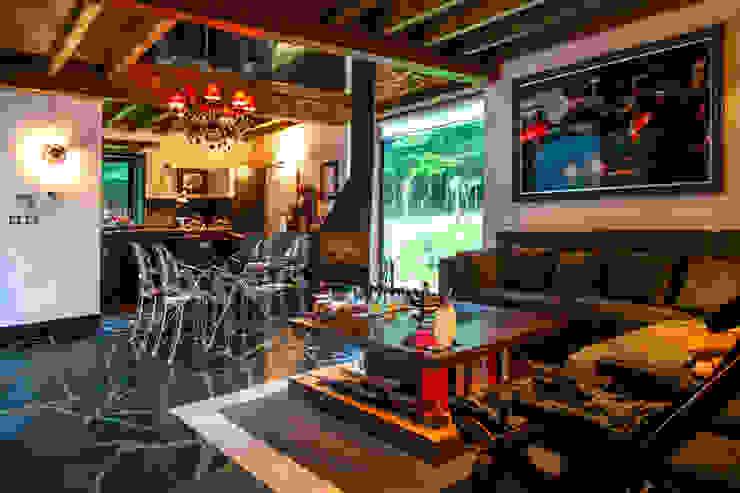 Salas de estar modernas por Belén Sueiro Moderno