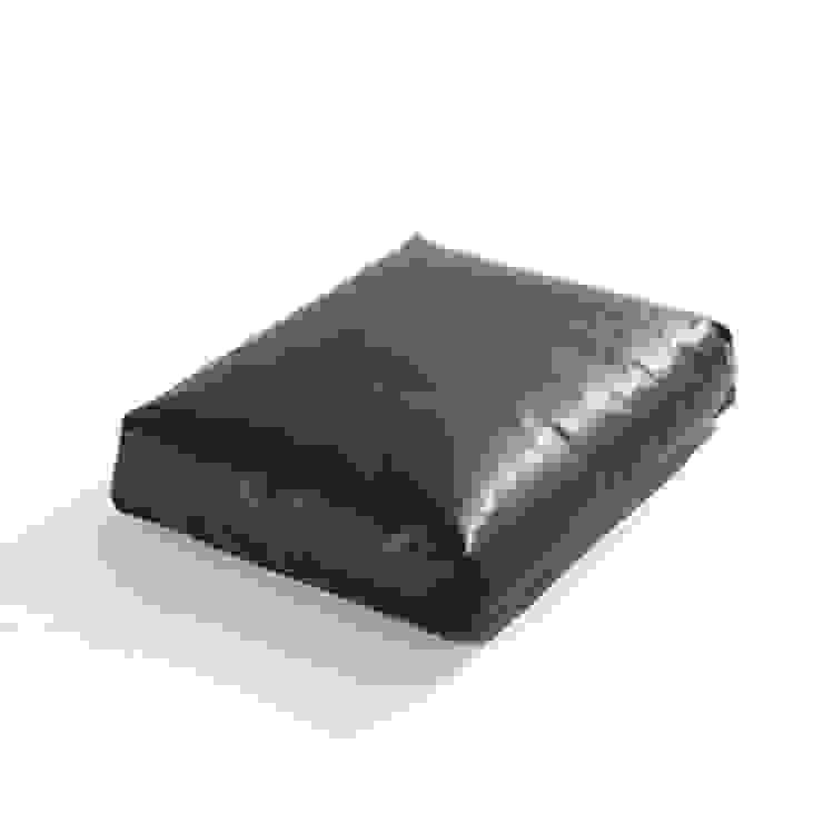 45 x 55 kussen: modern  door Label | van den Berg, Modern