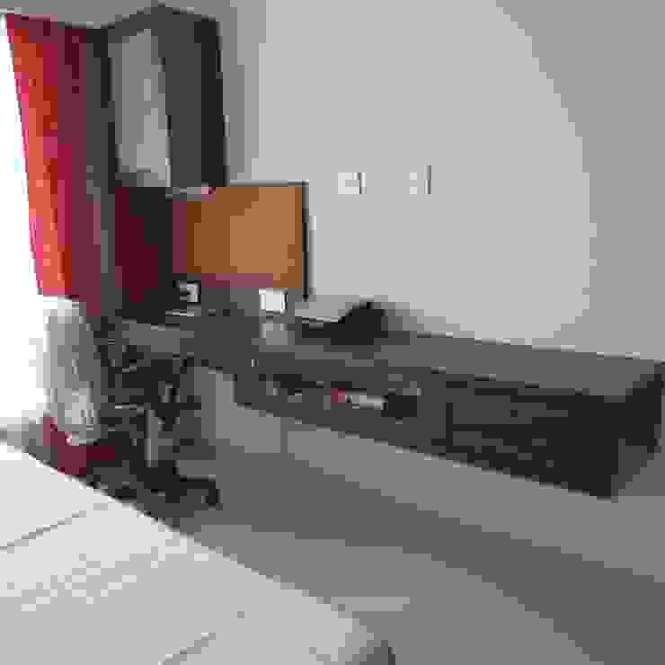 Resident in Mulund Minimalist bedroom by TWISHA THAKKER Minimalist
