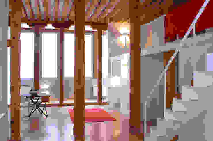 Ruang Keluarga Modern Oleh Beriot, Bernardini arquitectos Modern
