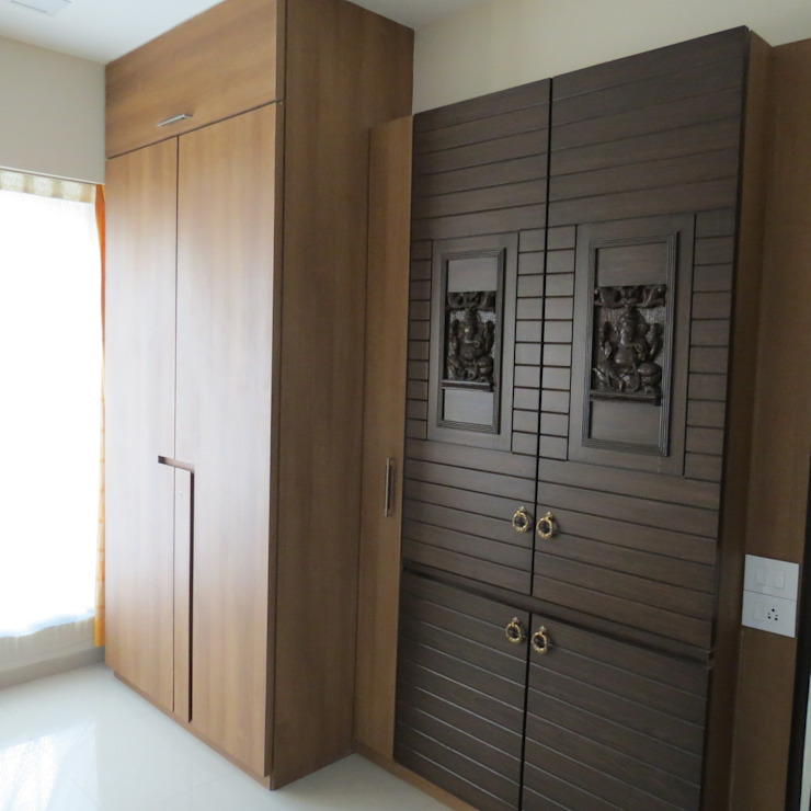 Resident in Mulund Minimalist study/office by TWISHA THAKKER Minimalist