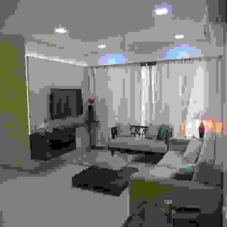 Resident in Mulund Minimalist living room by TWISHA THAKKER Minimalist
