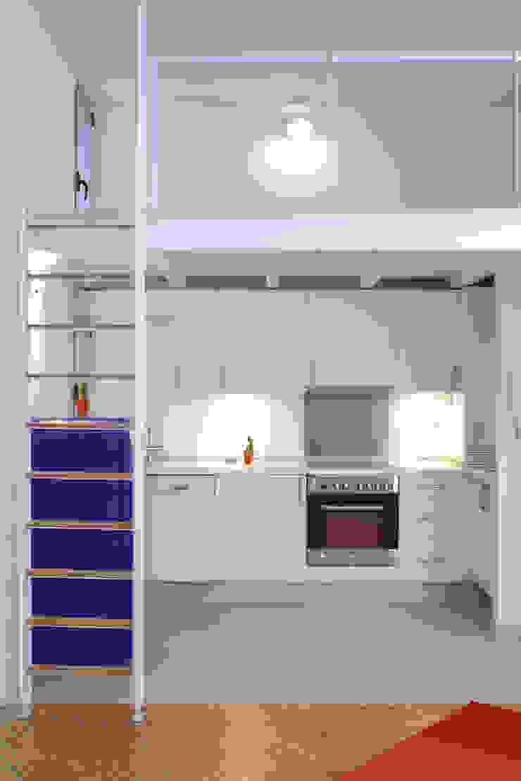 Rehabilitación de edificio ATOCHA. Madrid Cocinas modernas de Beriot, Bernardini arquitectos Moderno