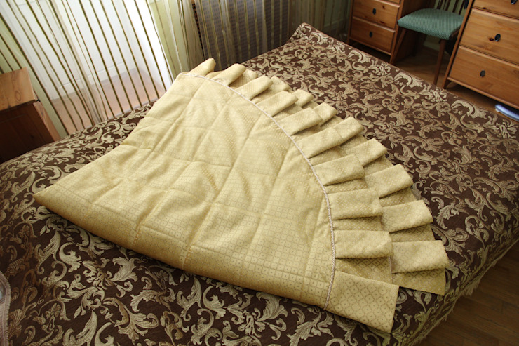 Вид на покрывало вблизи от Размер в размер Классический Текстиль Янтарный / Золотой
