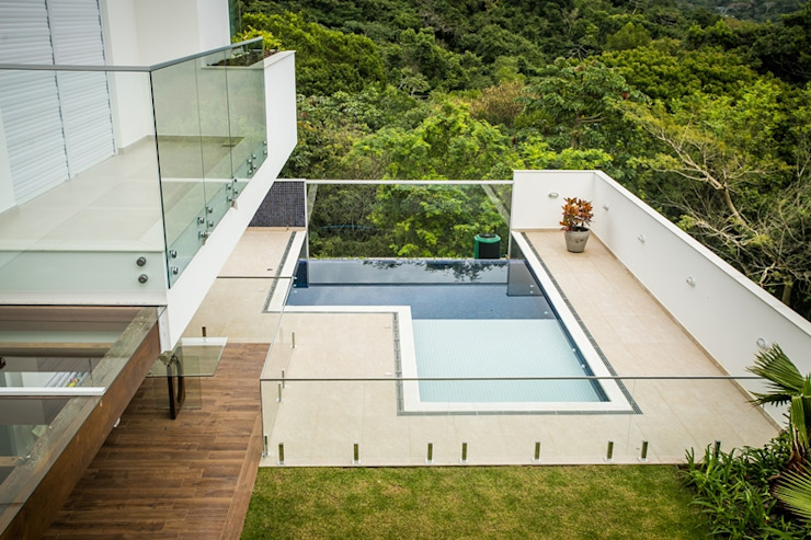 Pool by Roma Arquitetura,