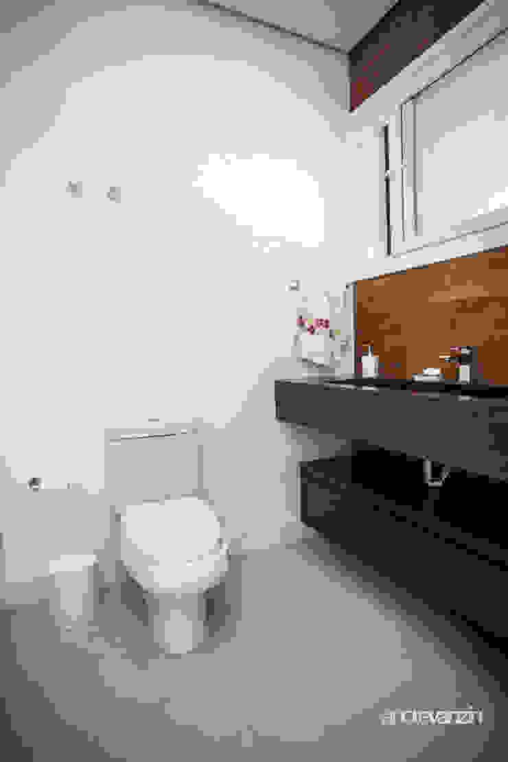 Modern Bathroom by Roma Arquitetura Modern