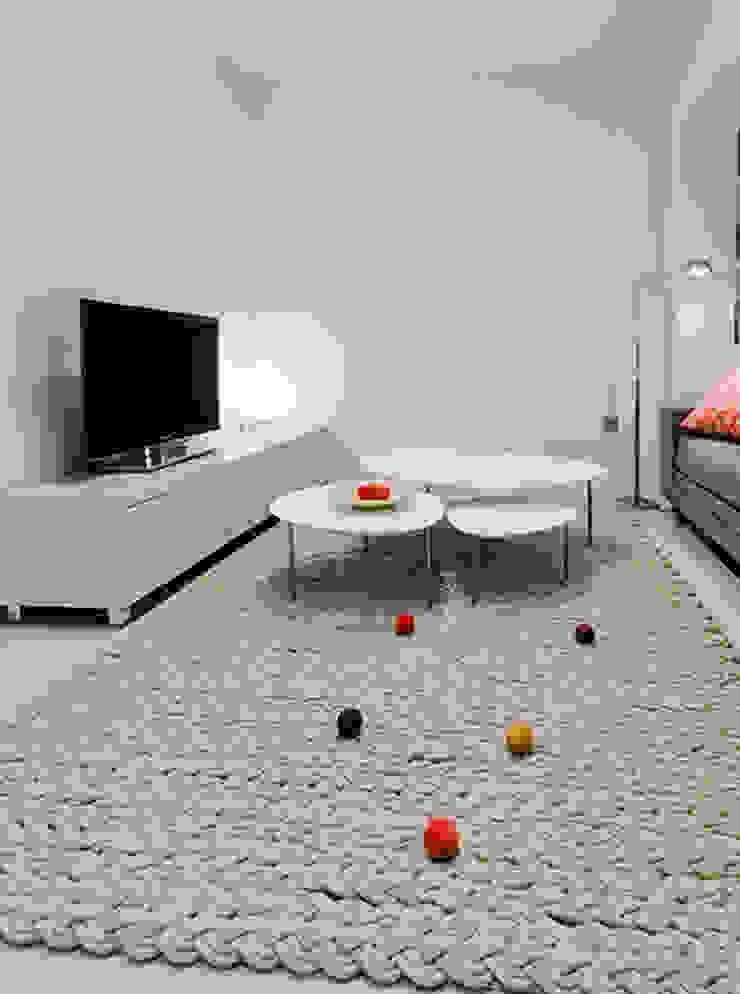Chiralt Arquitectos Minimalist living room