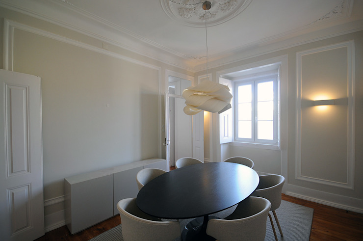 Apartamento Lisboa Salas de jantar ecléticas por Colectivo ODD Eclético