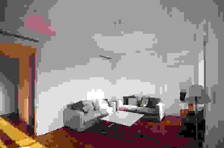 Apartamento Lisboa Salas de estar ecléticas por colectivo ODD Eclético