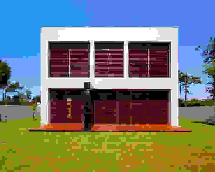 Moradia CE Casas modernas por RDLM Arquitectos associados Moderno