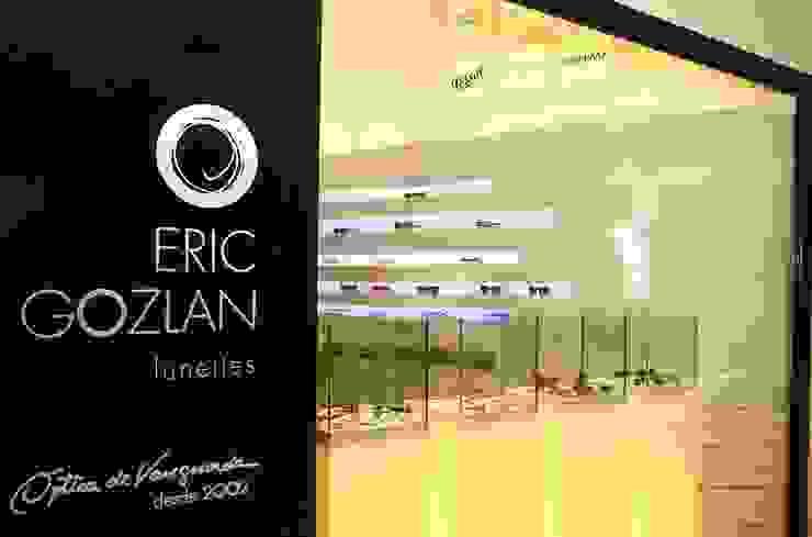 Eric Gozlan Lunettes   PKB Espaços comerciais modernos por iS arquitetura Moderno