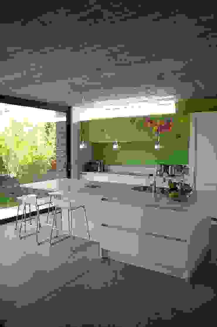 ARTERRA 現代廚房設計點子、靈感&圖片