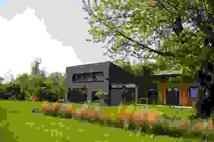 Maison P Maisons modernes par ARTERRA Moderne