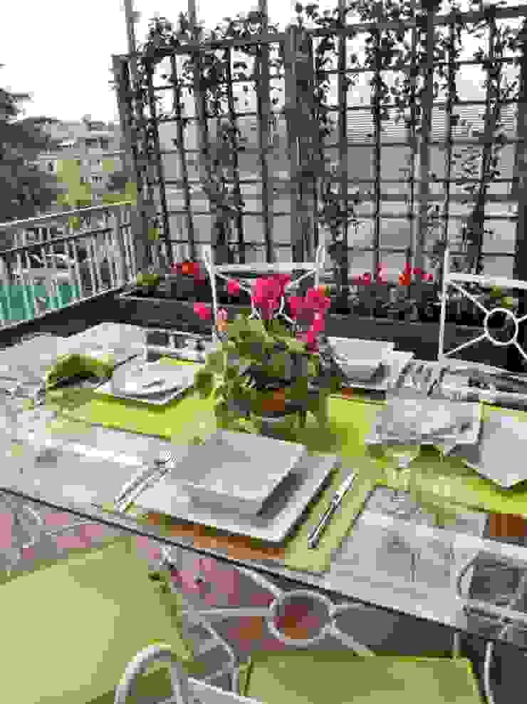 Loredana Vingelli Home Decor Mediterranean style balcony, veranda & terrace Glass Green