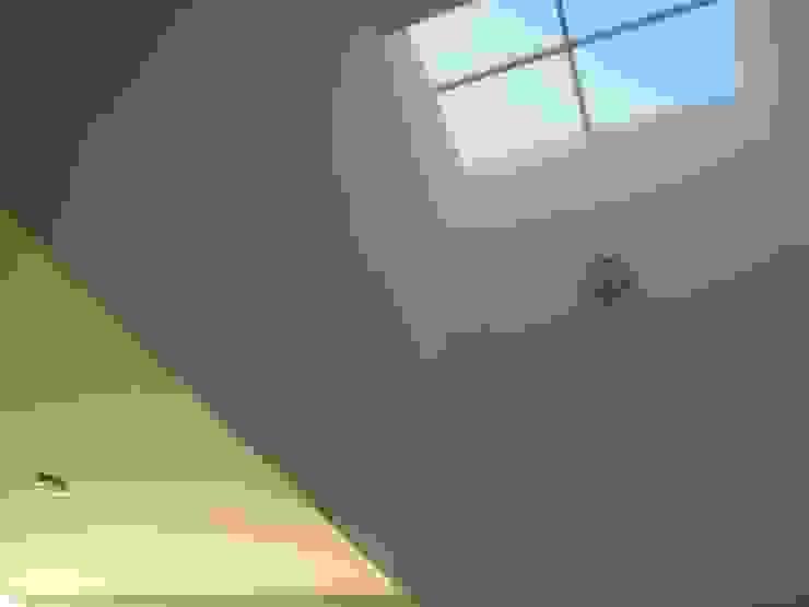 Fenêtres & Portes modernes par CONSTRUCTORA ARQOCE Moderne