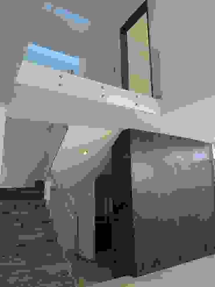 Modern living room by CONSTRUCTORA ARQOCE Modern