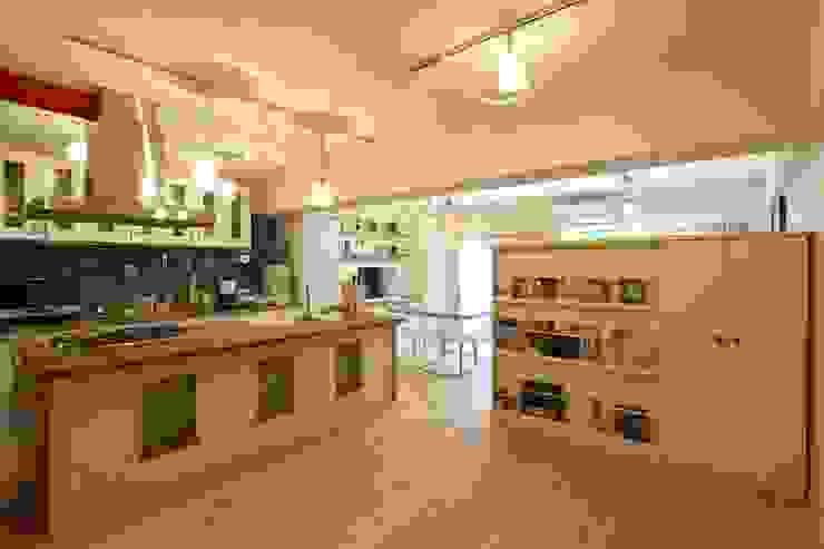 自然素材マンションリノベーションin 深川住宅                                                                                                                                          : 有限会社横田満康建築研究所が手掛けたスカンジナビアです。,北欧