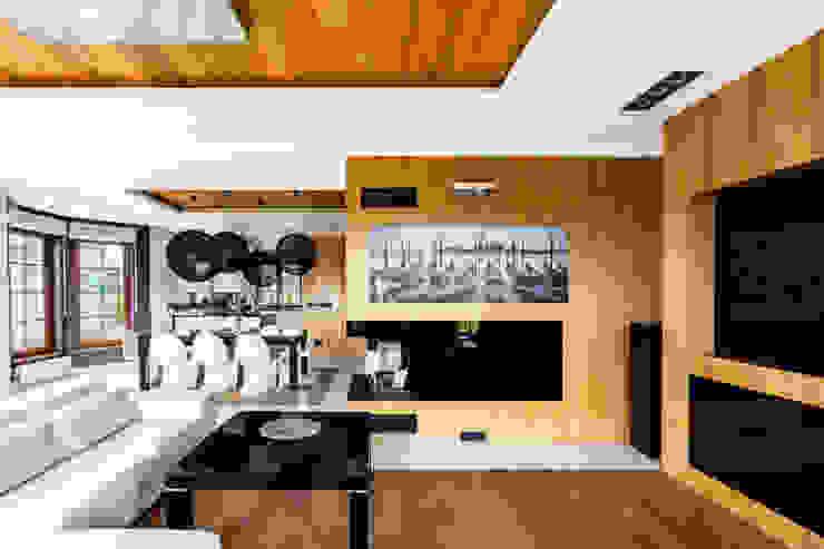 Our photoshoot of apartment design by Decocafe Architects Nowoczesny salon od Ayuko Studio Nowoczesny