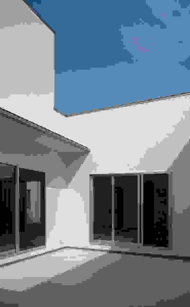 中庭01 オリジナルな 家 の design office ON オリジナル