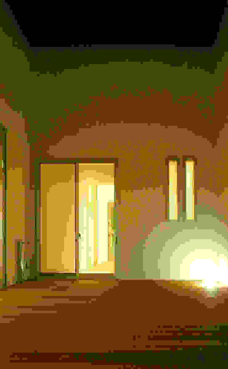中庭02 オリジナルな 家 の design office ON オリジナル
