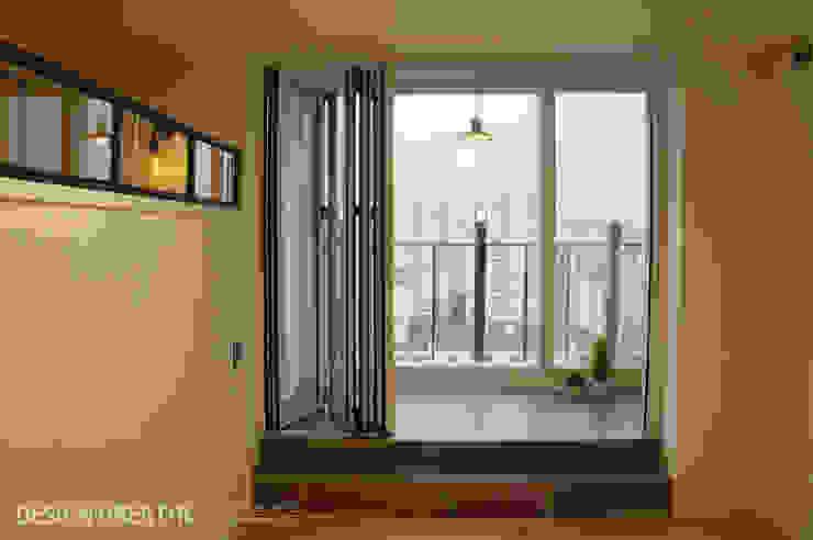 32평 초원대림아파트 리모델링 : 디자인브리드의  베란다,모던