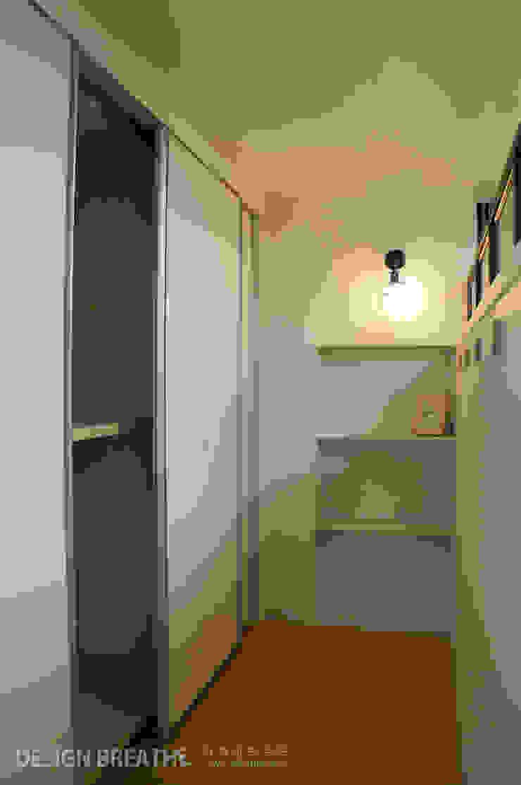 الممر الحديث، المدخل و الدرج من 디자인브리드 حداثي