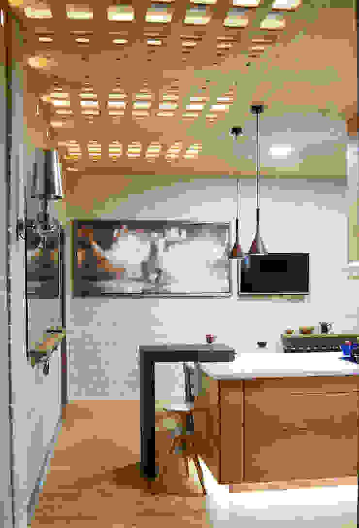 Modern Kitchen by дизайн студия 'Понимание' Modern