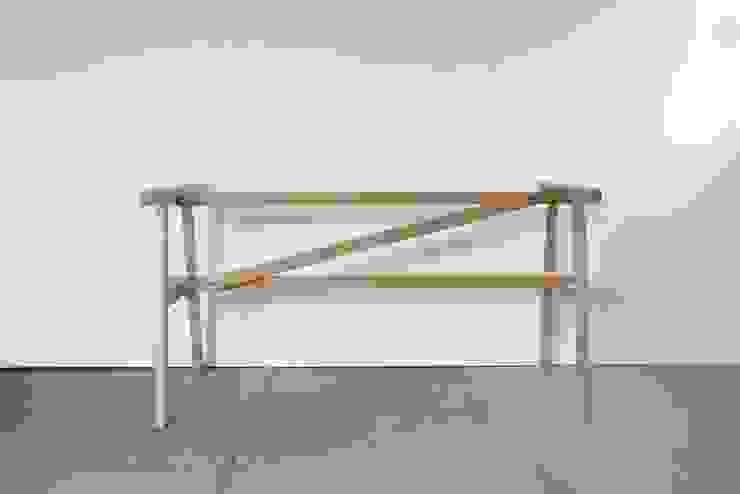 KNOCKDOWN TABLE: FLANGE plywoodが手掛けたミニマリストです。,ミニマル