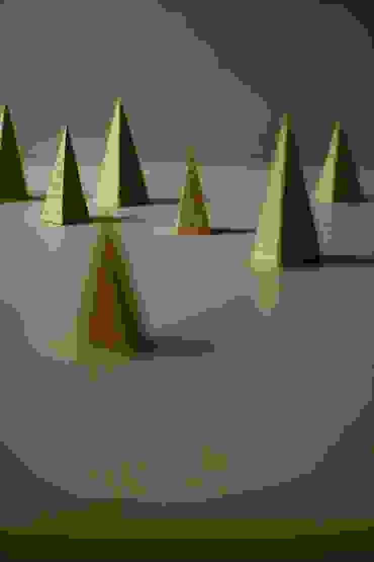 三角の塔: 五月女寛が手掛けた折衷的なです。,オリジナル