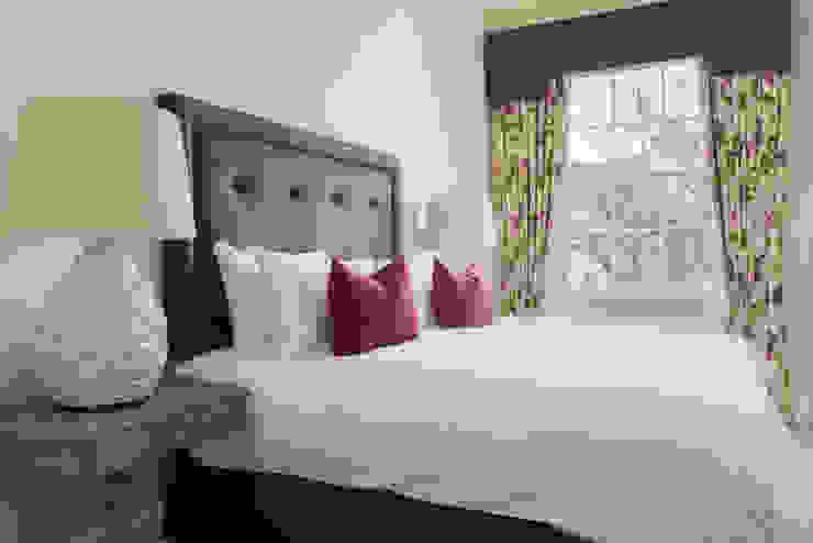 Bedroom Modern Bedroom by homify Modern