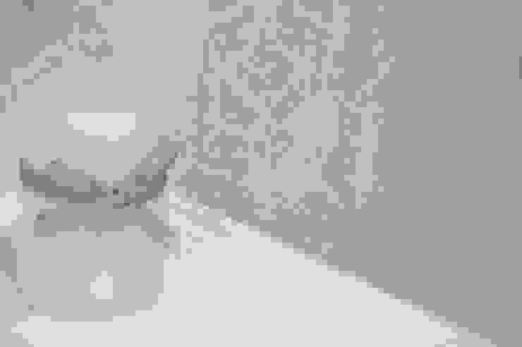 Showroom Tons de Banho Casas de banho clássicas por TONS DE BANHO Clássico