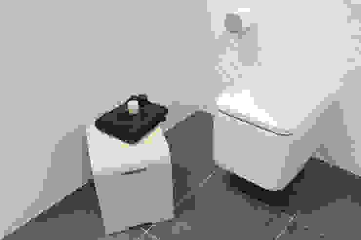 Showroom Tons de Banho Casas de banho minimalistas por TONS DE BANHO Minimalista