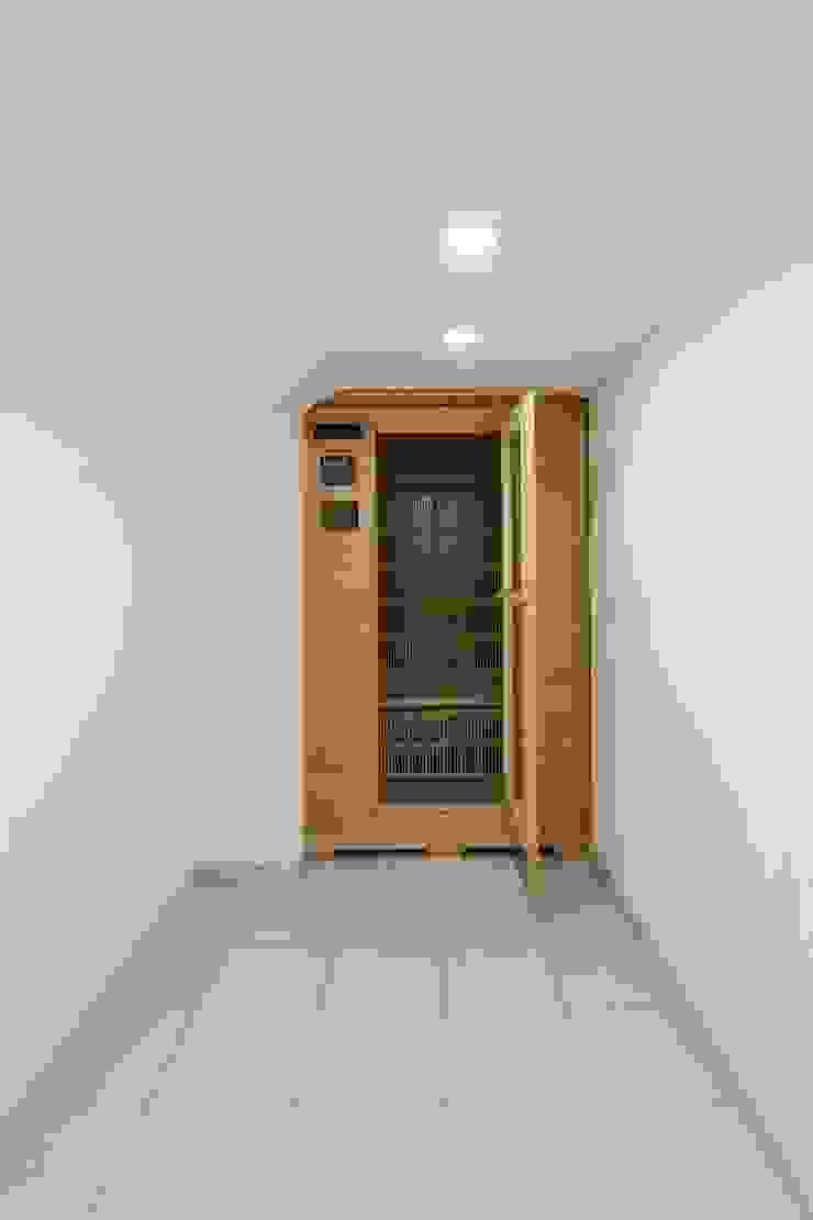 Modern spa by CELOIRA CALDERON ARQUITECTOS Modern