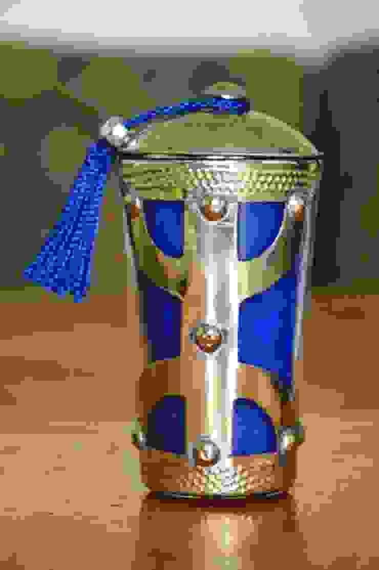 Vela perfumada y con motivos metálicos Dunia Hania HogarDecoración y accesorios