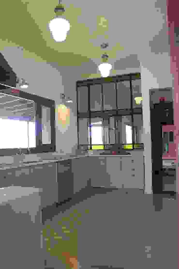 Casa en Club de Chacras La Ranita Cocinas clásicas de Diego Porto Arquitecto Clásico