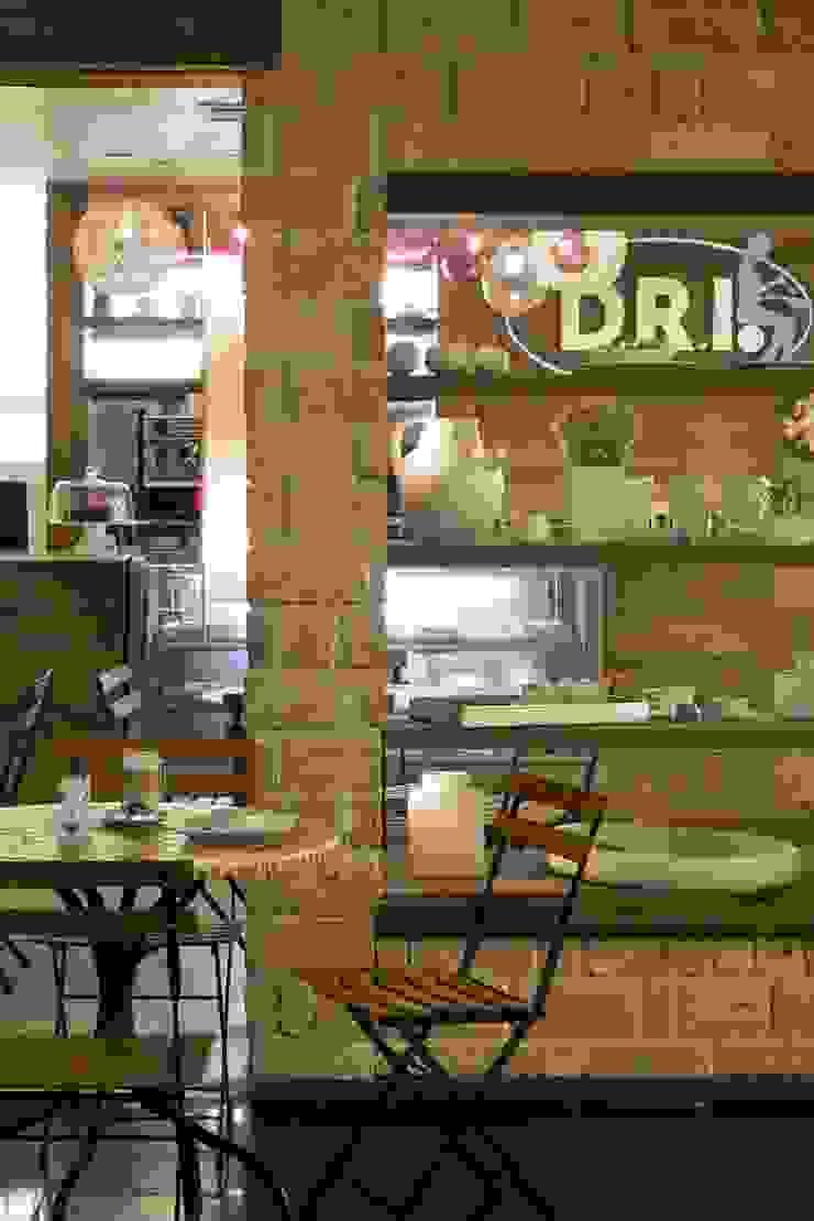 D.R.I. Espaços gastronômicos rústicos por Maria Claudia Faro Rústico