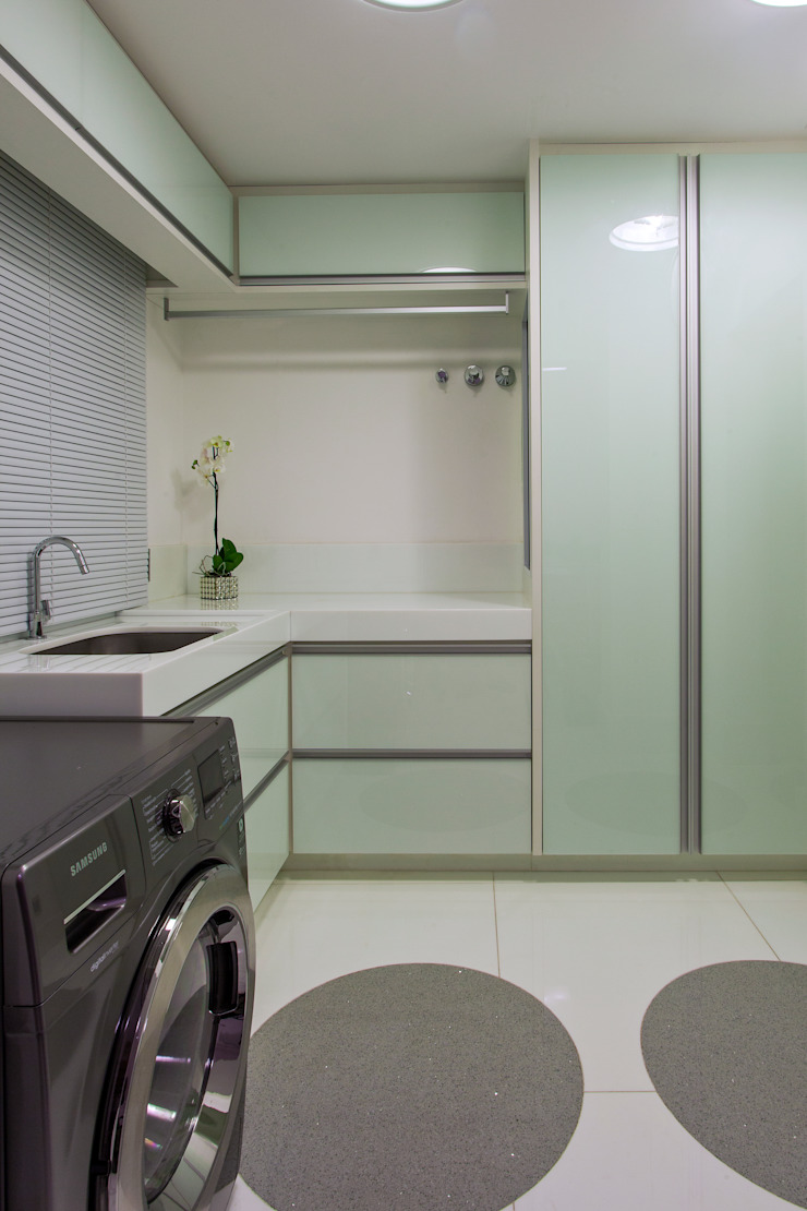 Modern walls & floors by Designer de Interiores e Paisagista Iara Kílaris Modern Marble