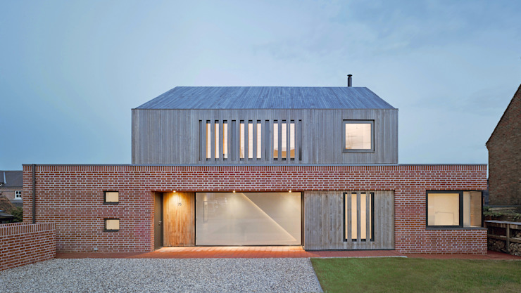 Front elevation of Broad Street House, Suffolk Modern houses by Nash Baker Architects Ltd Modern Bricks