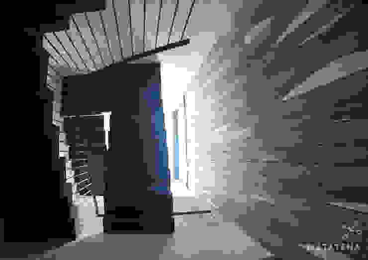 Circulación Vertical Pasillos, vestíbulos y escaleras modernos de Matatena Arquitectura Moderno