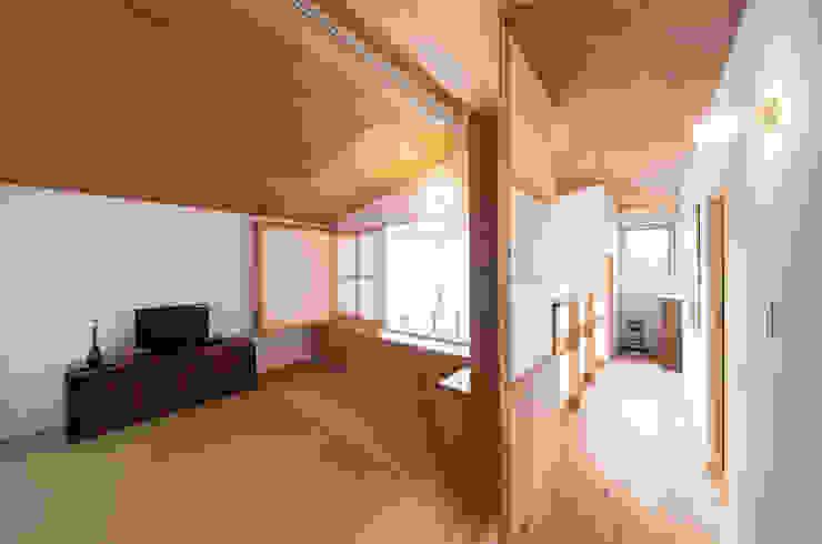 Modern media room by FAD建築事務所 Modern