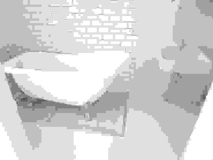 多彩なコンクリート壁の家 モダンスタイルの お風呂 の ユミラ建築設計室 モダン