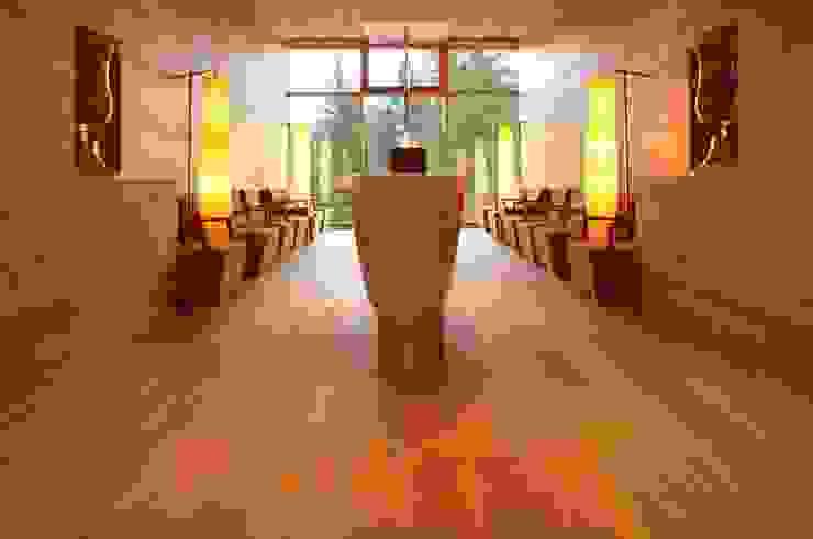 Hotel Das Kranzbach Rustic style hotels by Dennebos Flooring BV Rustic Engineered Wood Transparent