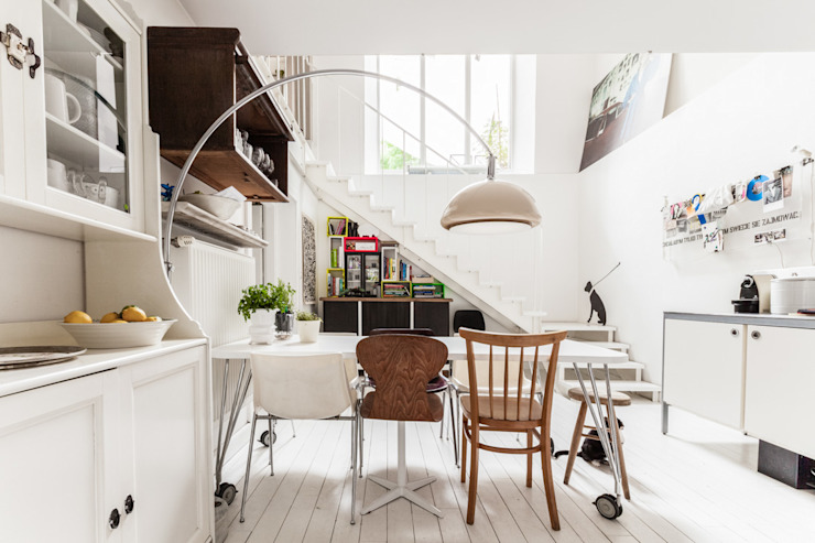 Eclectic style dining room by Ayuko Studio Eclectic