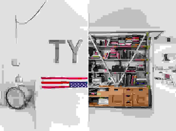 オリジナルスタイルの 寝室 の Ayuko Studio オリジナル