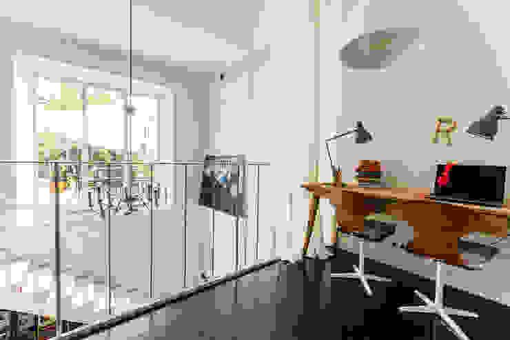 オリジナルデザインの 多目的室 の Ayuko Studio オリジナル