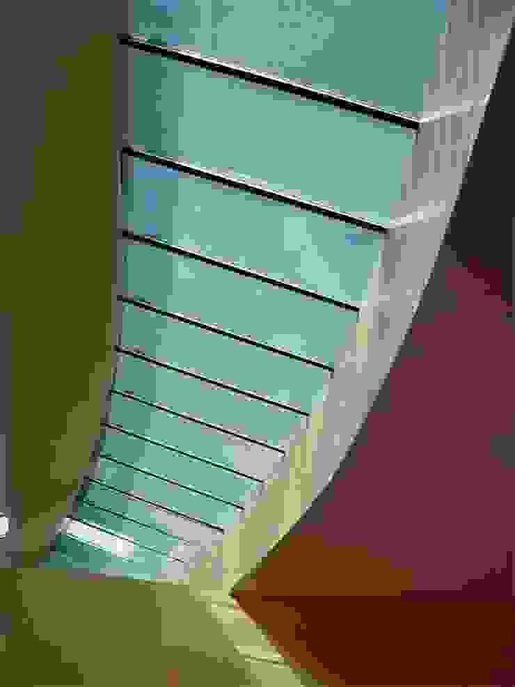 Karst, Lda Eclectic style corridor, hallway & stairs