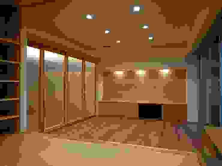 愛媛県内子町の住宅 モダンデザインの リビング の Y.Architectural Design モダン 木 木目調